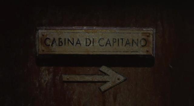 """insegna dal film Nave Fantasma che legge """"cabina di capitano"""""""