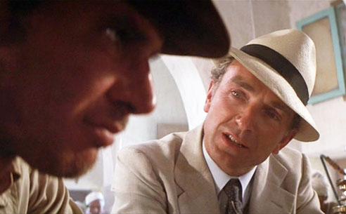 Belloq e Indiana Jones nel film i predatori dell'arca perduta