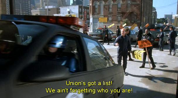 Sciopero dei poliziotti in Robocop 2