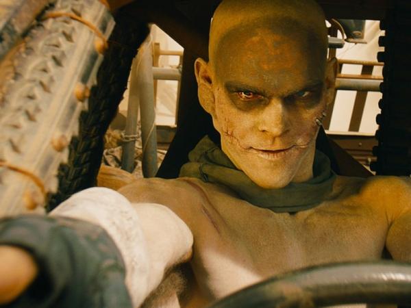 Scena di Mad Max Fury Road adattato da Valerio Piccolo