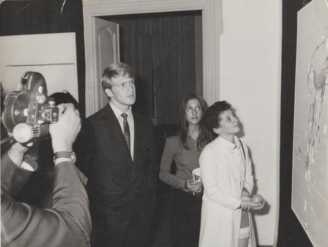Cinzia Andrei Anna Maria Natalini e Al Cliver foto di Alfio Di Bella alla galleria Iolas-Galatea 68-70