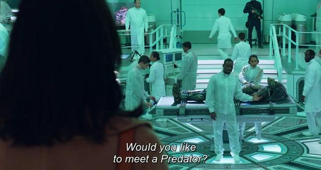 le piacerebbe incontrare un predator? Scena dal film The Predator (2018)