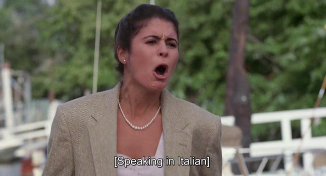 Lucia che offende Vladimir in italiano nella versione originale di Mosca a New York