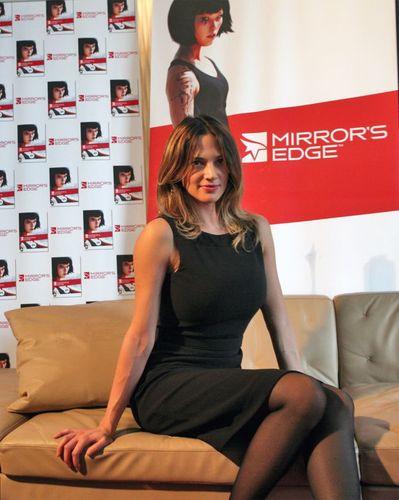 Asia Argento al lancio italiano di Mirror's Edge dove doppia la protagonista Faith