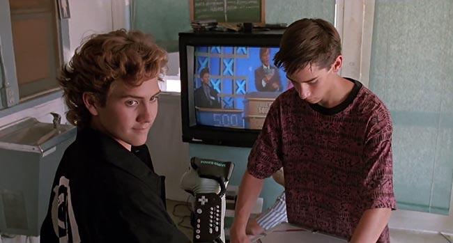 Lucas con il suo Power Glove, una scena dal film Il piccolo grande mago dei videogames
