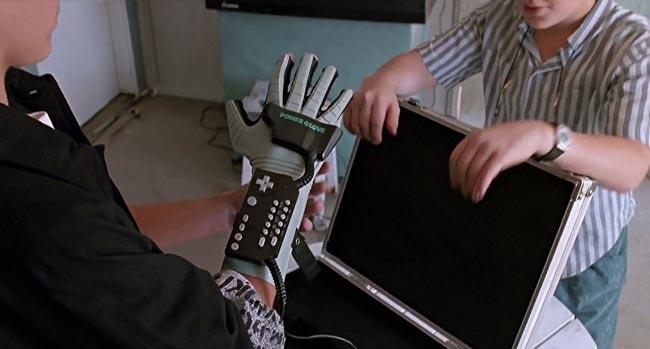 Power Glove, tradotto come guanto magico nel doppiaggio del film Il piccolo grande mago dei videogames 1989