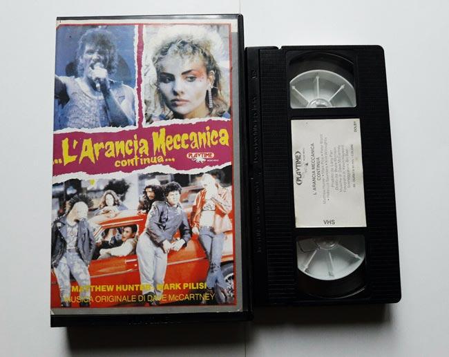 L'arancia meccanica continua, copertina VHS