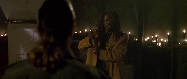 Seagal contro Screwface, duello di spade dal film Programmato per uccidere