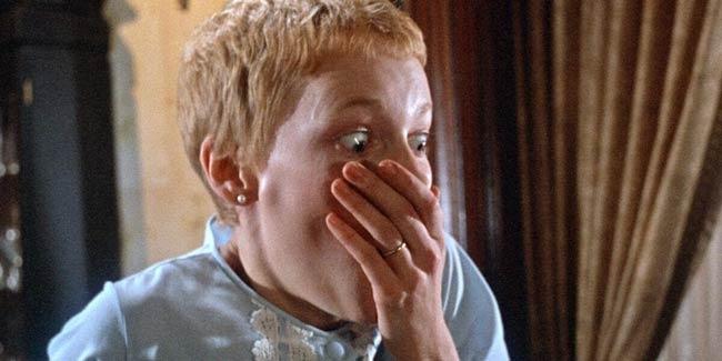 La reazione di Rosemary alla vista del bambino figlio di Satana, dal film Rosemary's Baby